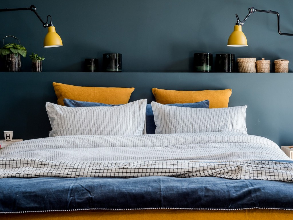 Linge de lit rayures ou carreaux : le match déco de la rentrée