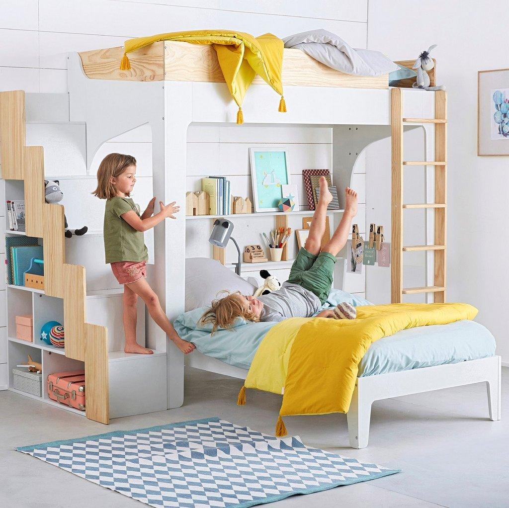 une chambre pour gar on en bleu et jaune joli place. Black Bedroom Furniture Sets. Home Design Ideas