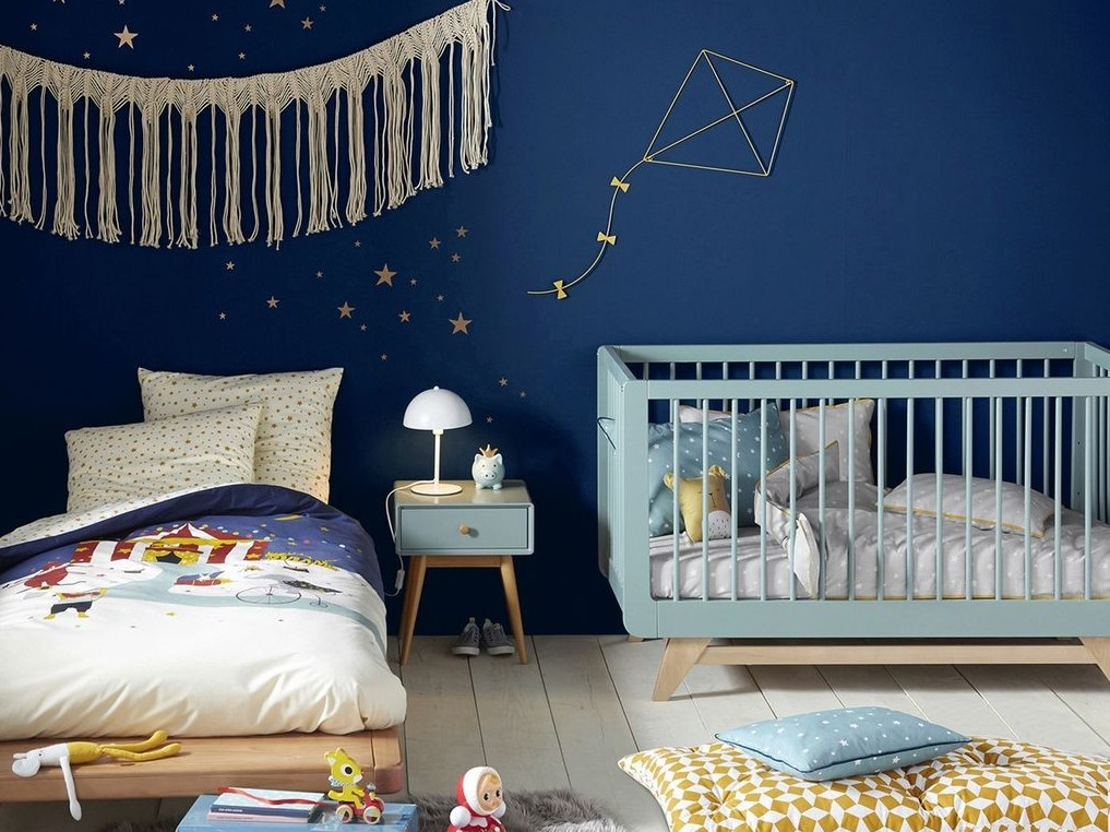 chambre enfant bleu marine nos inspirations d co joli. Black Bedroom Furniture Sets. Home Design Ideas