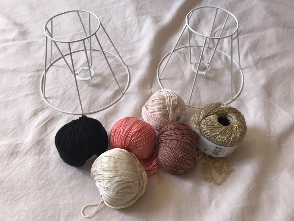 diy comment fabriquer une lampe en fil de coton joli place. Black Bedroom Furniture Sets. Home Design Ideas