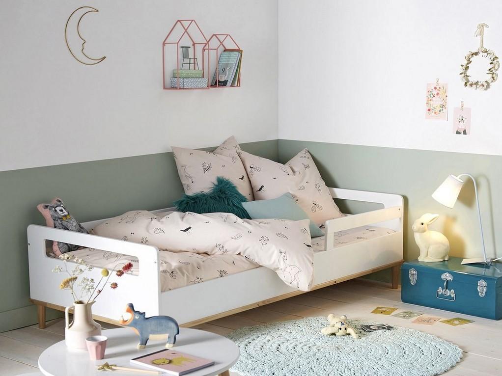Du vert sauge dans une chambre d'enfant - Joli Place