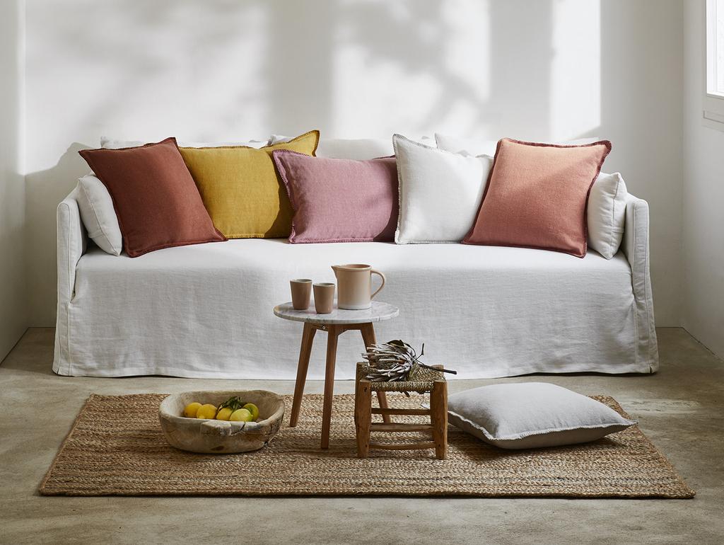 Quelle couleur de coussins avec un canap blanc joli place - Coussins pour canapes ...