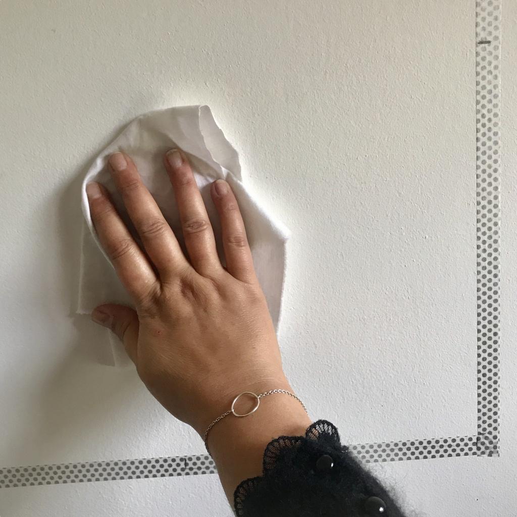 Fixation Tableau Sans Trou créer un mur de cadres sans percer ni abîmer - joli place