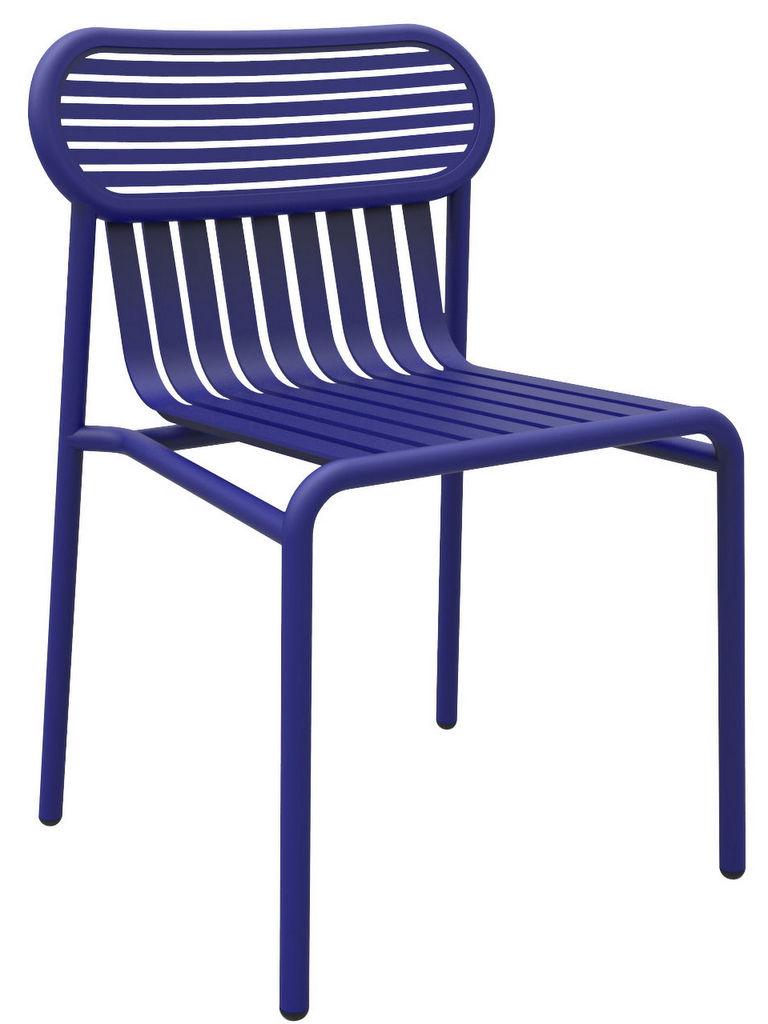 Comment mixer des chaises de jardin dépareillées - Joli Place