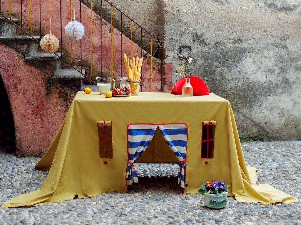 Une nappe pour faire une cabane sous la table - Joli Place