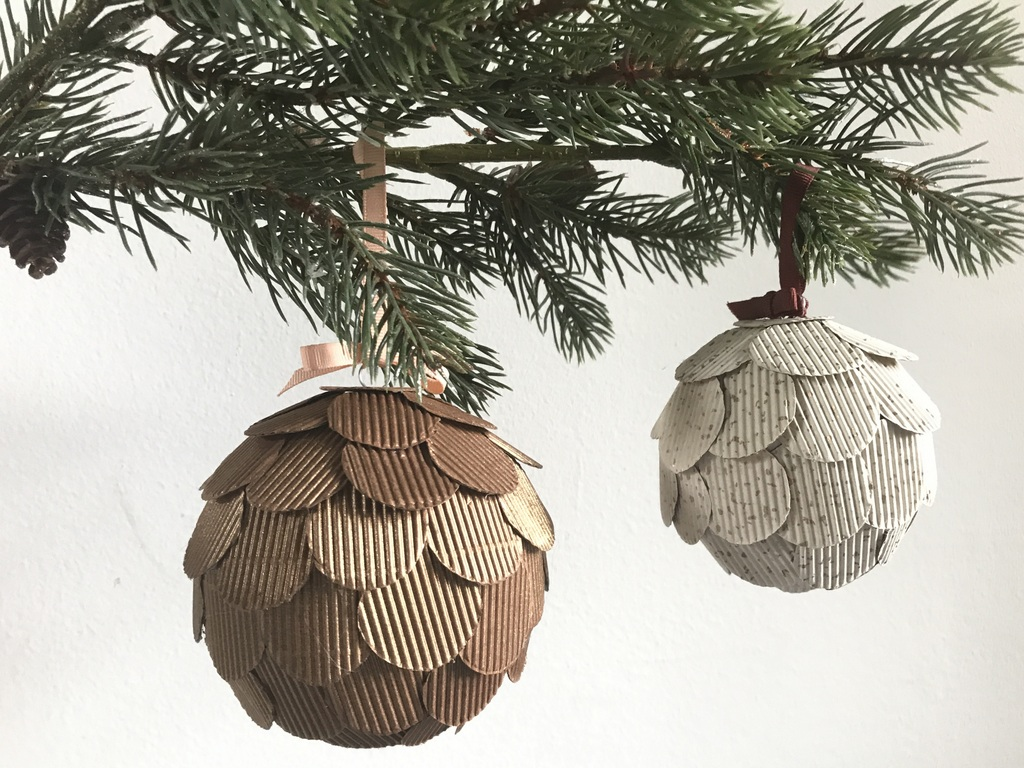 Comment Faire Des Boules En Papier un diy pour fabriquer une boule de noël - joli place