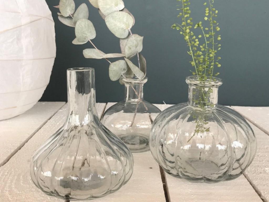Le vase ancien en verre, must have déco - Joli Place