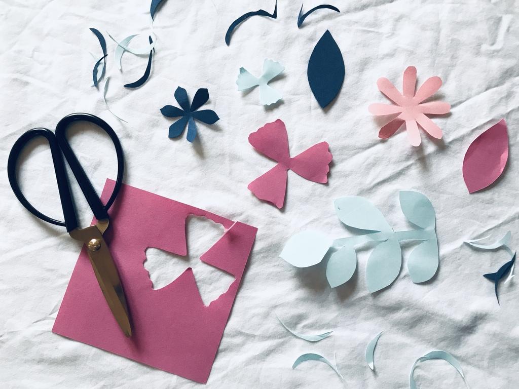 Fabriquer une couronne de fleurs en papier - Joli Place