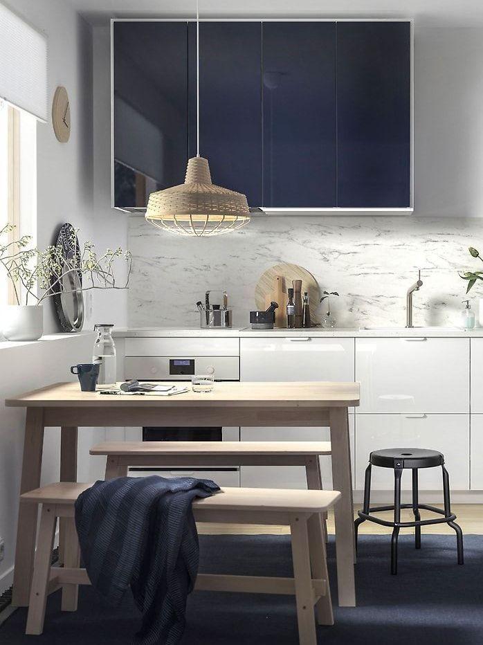 Cuisine avec meubles dépareillés : osez le mélange - Joli Place