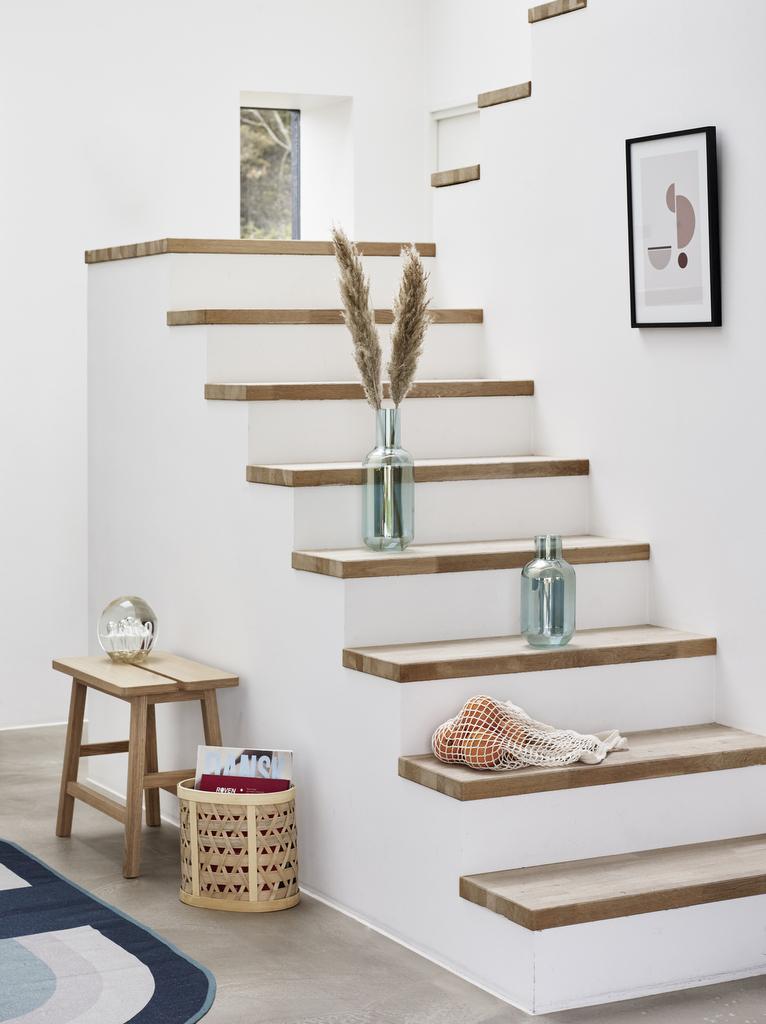 Habiller Un Escalier En Béton Avec Des Marches En Bois Joli Place