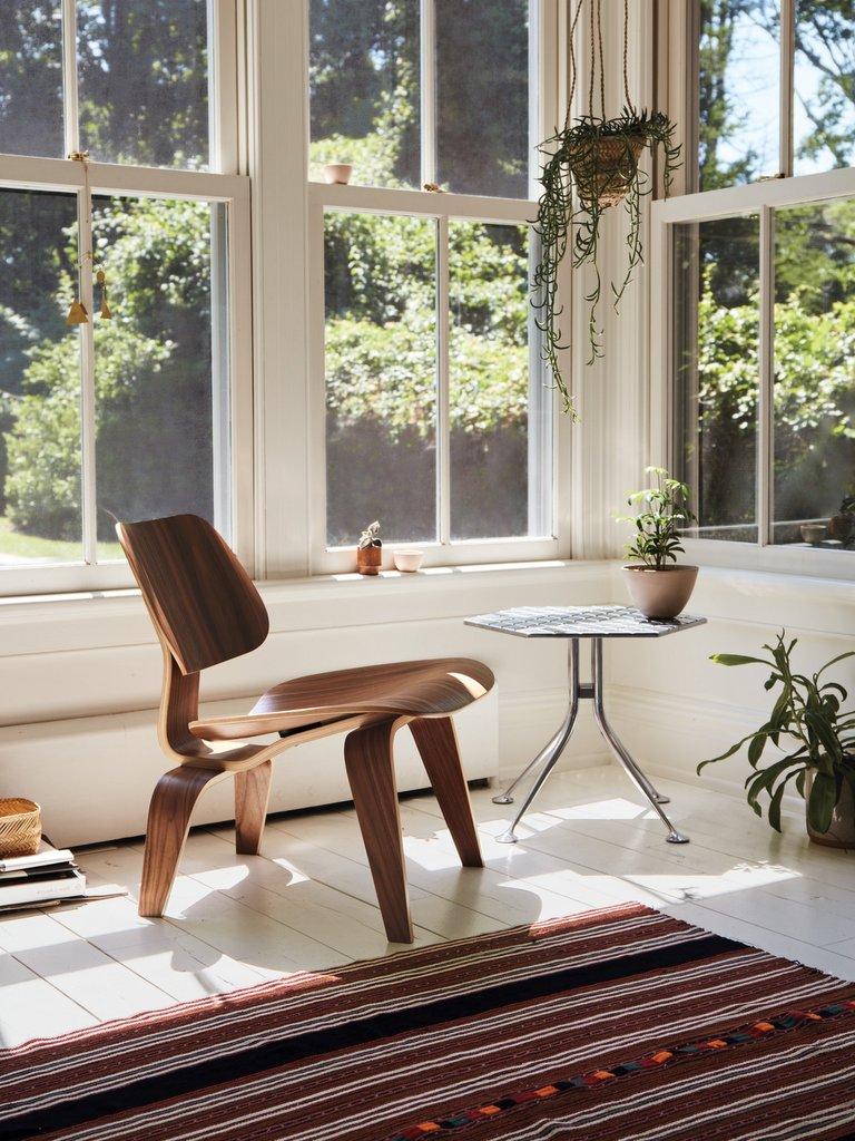 Le fauteuil LCW de Eames fête ses 75 ans - Joli Place