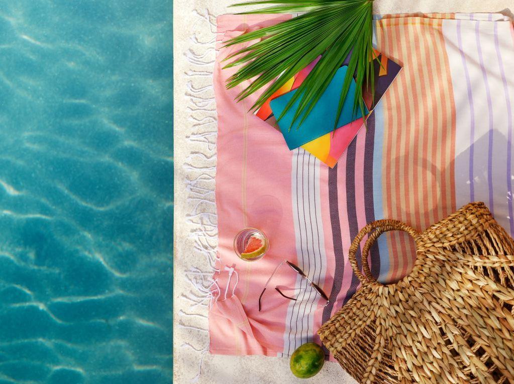 Plongeon dans un été coloré - Joli Place
