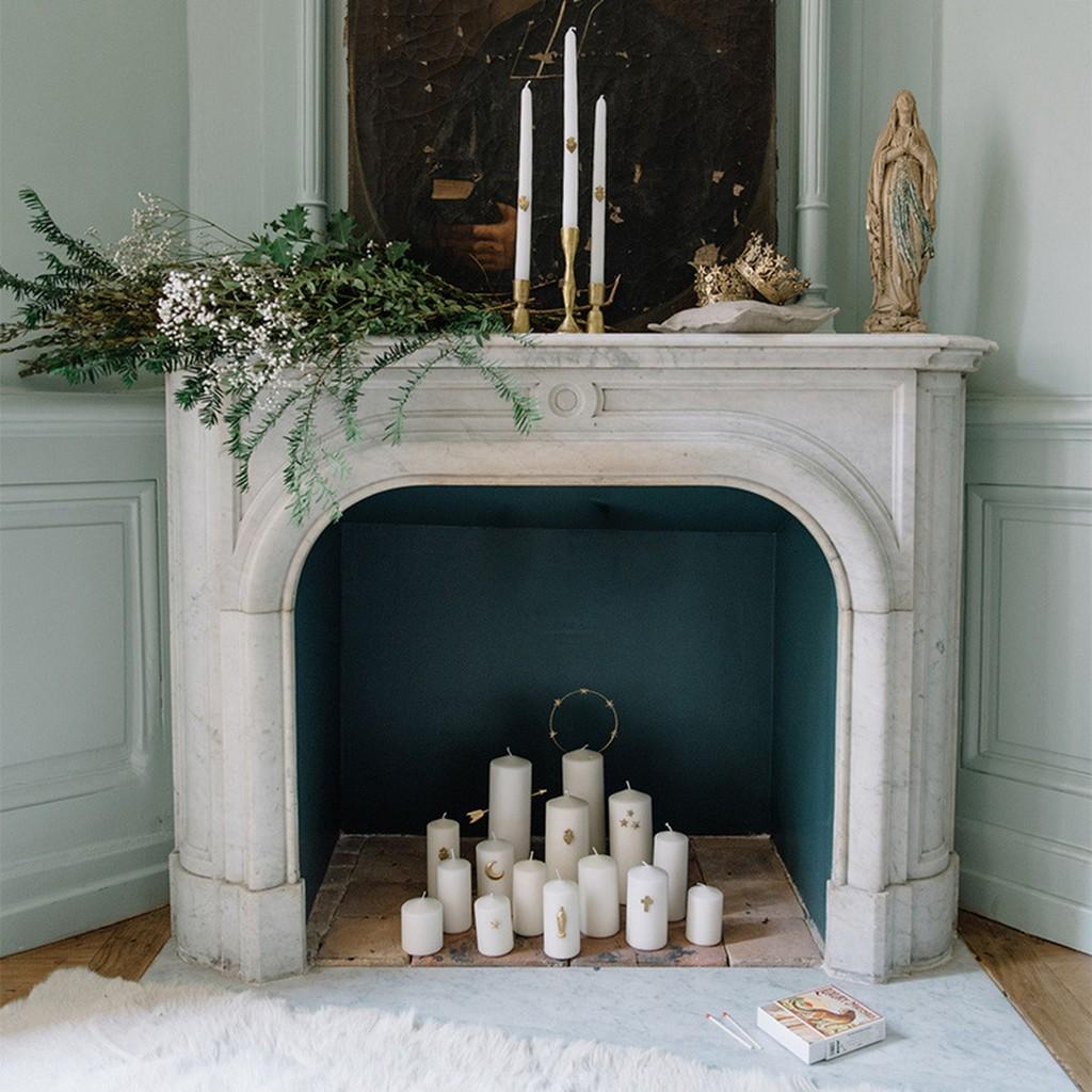 bougies dans la cheminée