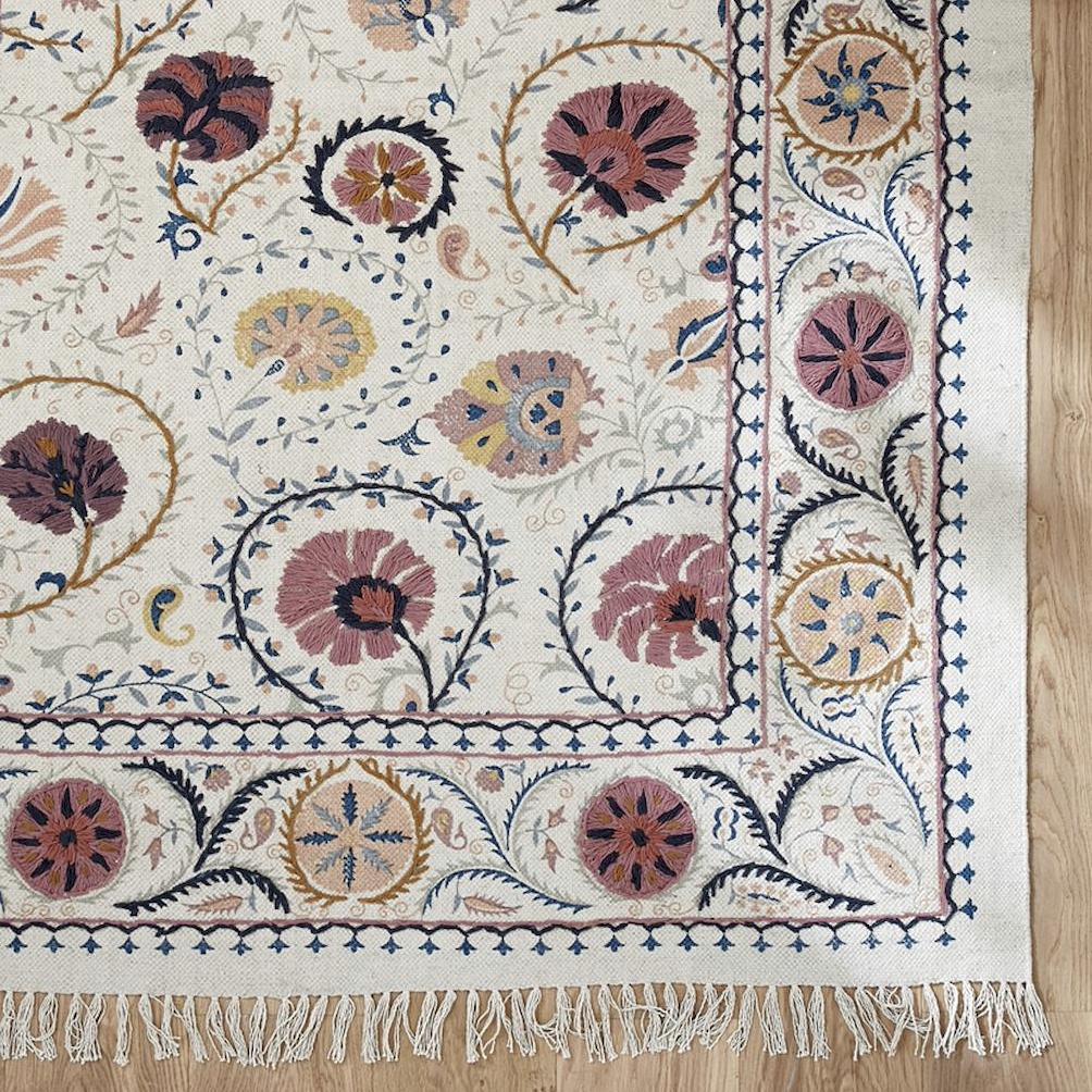 tapis brodé en coton