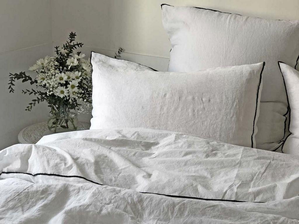 linge de lit lin blanc passepoil noir