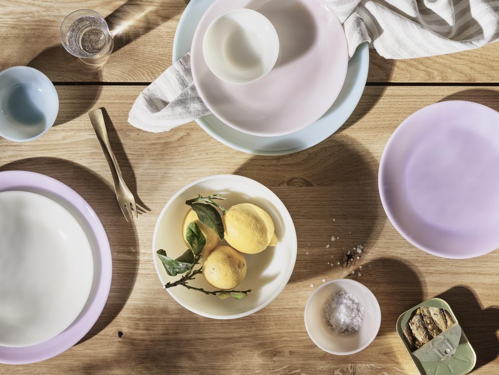 assiette couleur pastel
