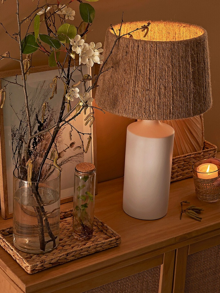 lampe en céramique et raphia