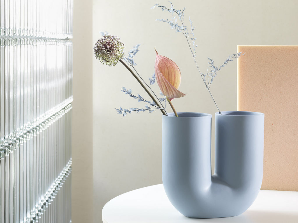 vase design bleu ciel