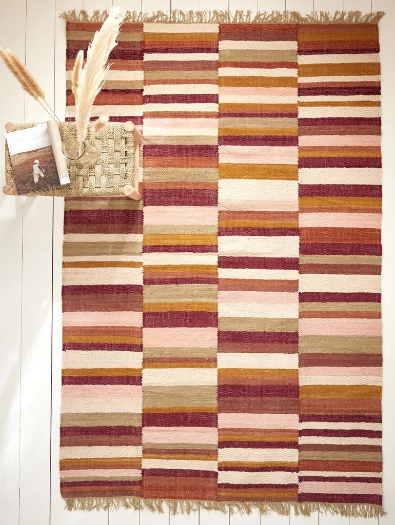 tapis terracotta rose rouge