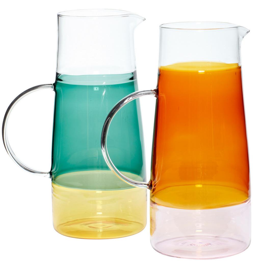 carafe en verre coloré