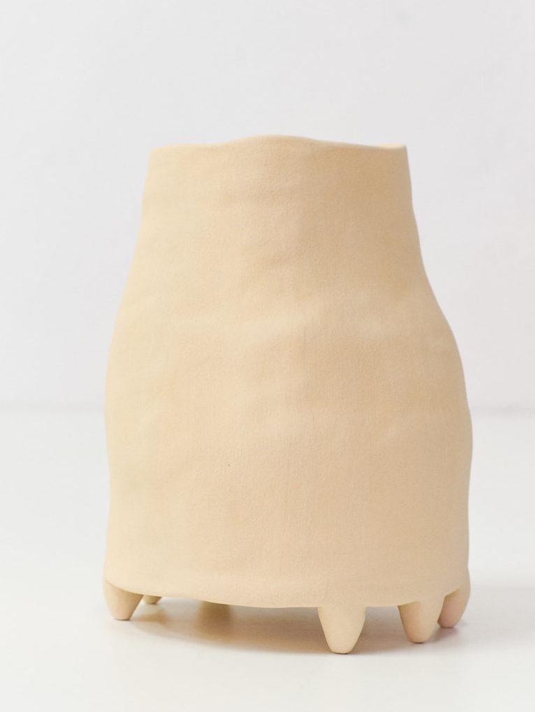 vase en céramique jaune paille