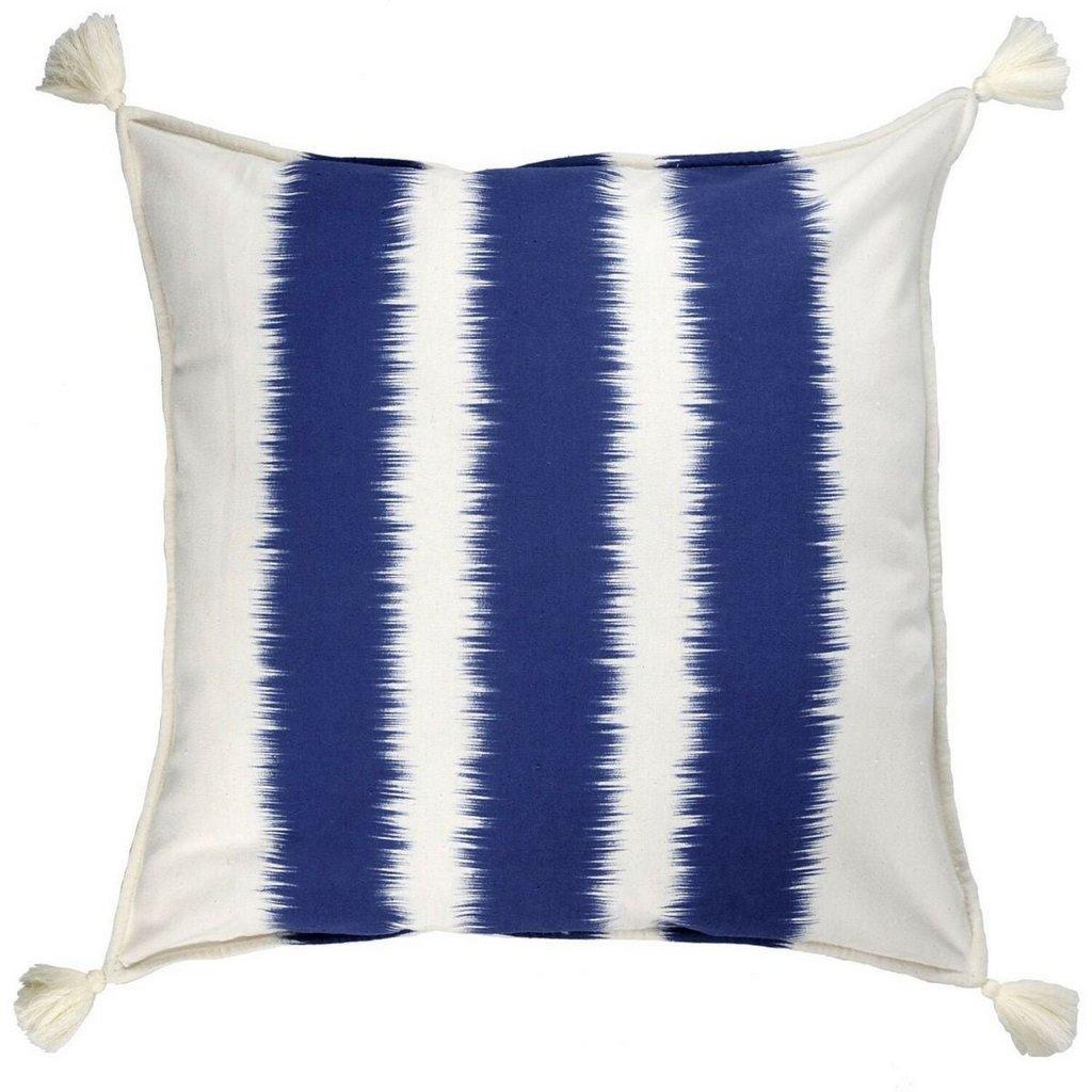 coussin bleu et blanc