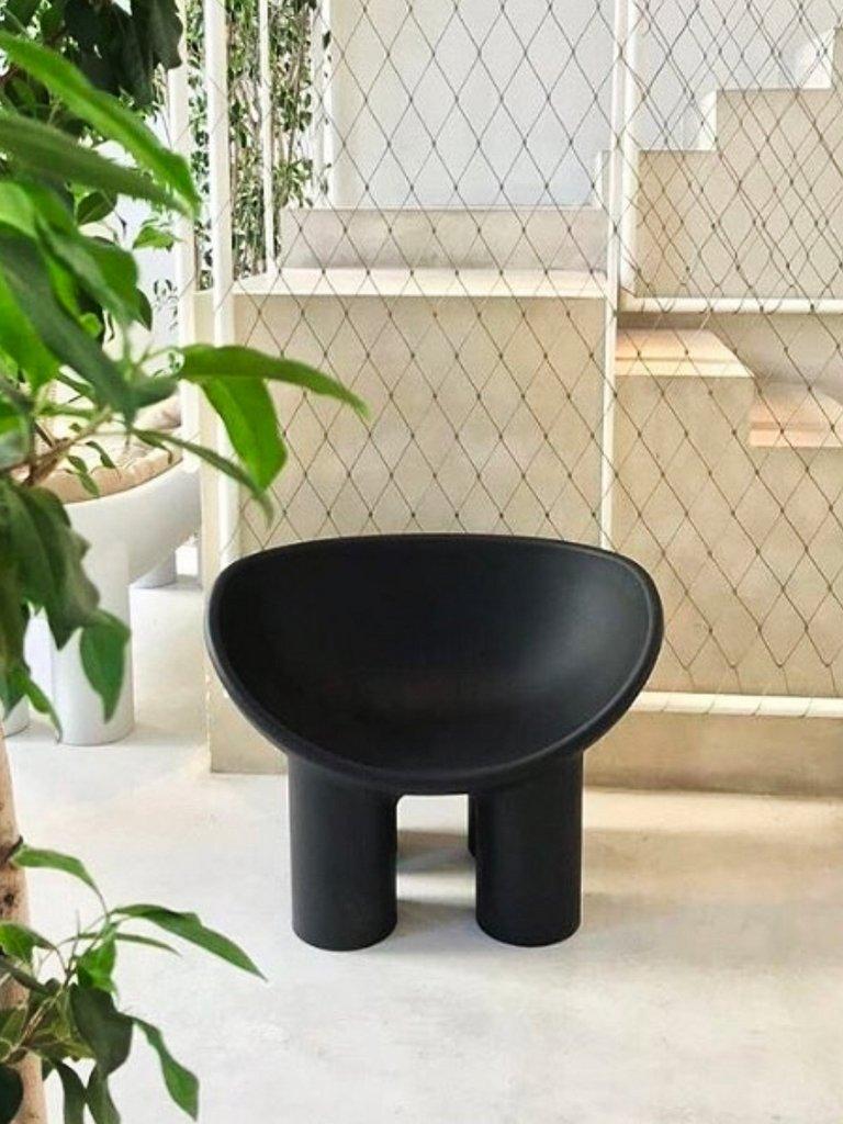 fauteuil noir style africain