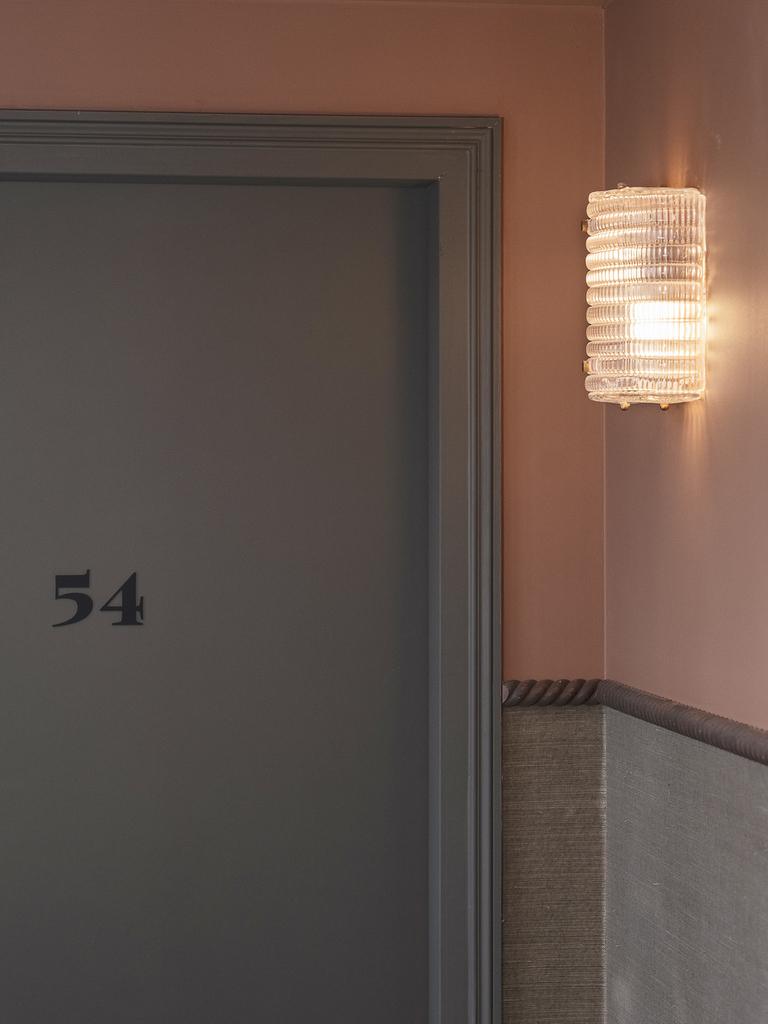 couloir terracotta et vert sauge