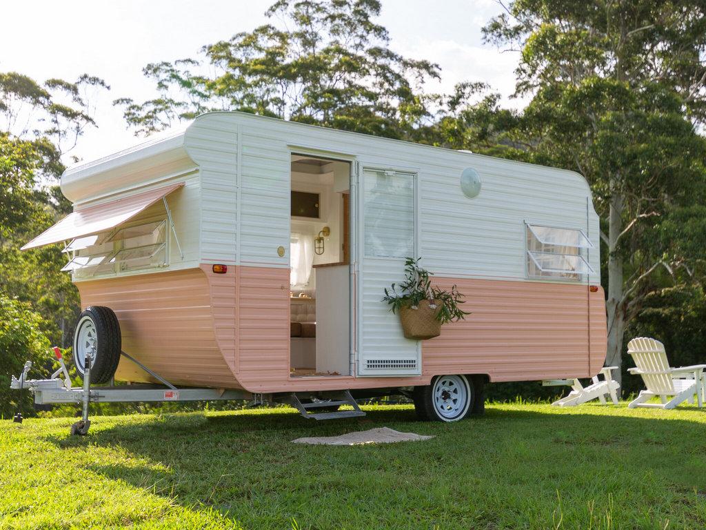 rénovation caravane vintage
