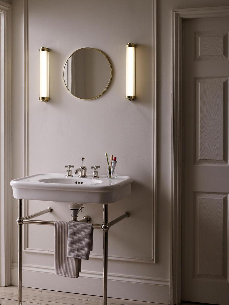 applique tube laiton salle de bain