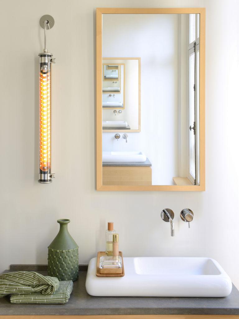 applique néon salle de bain