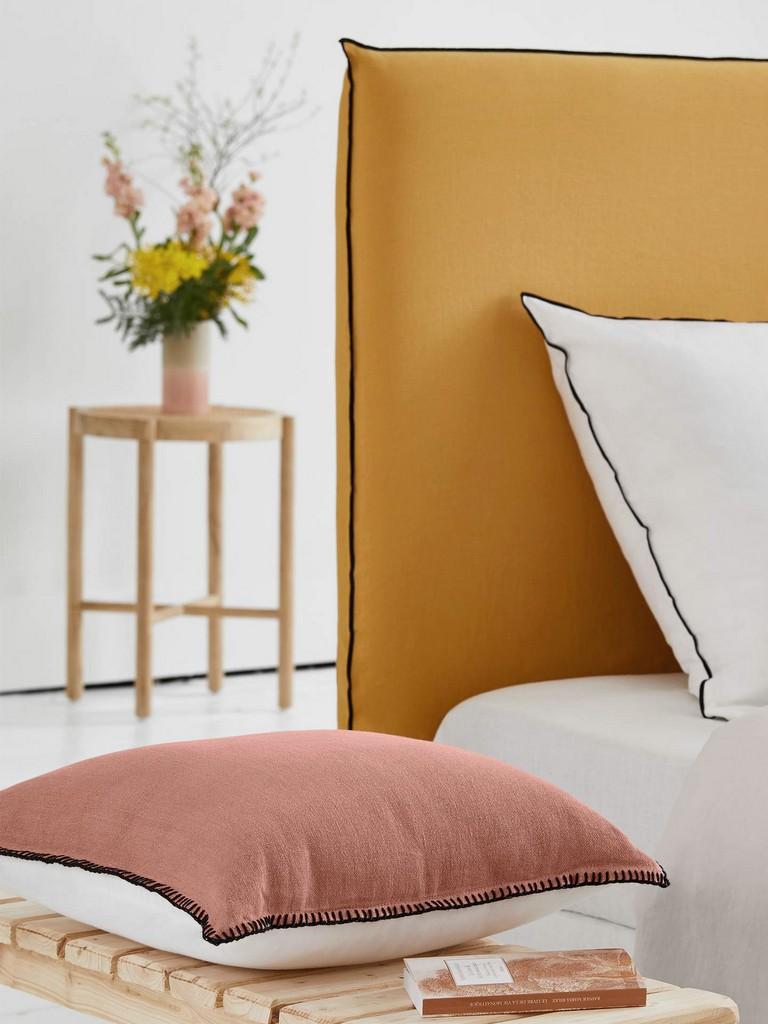chambre jaune et rose