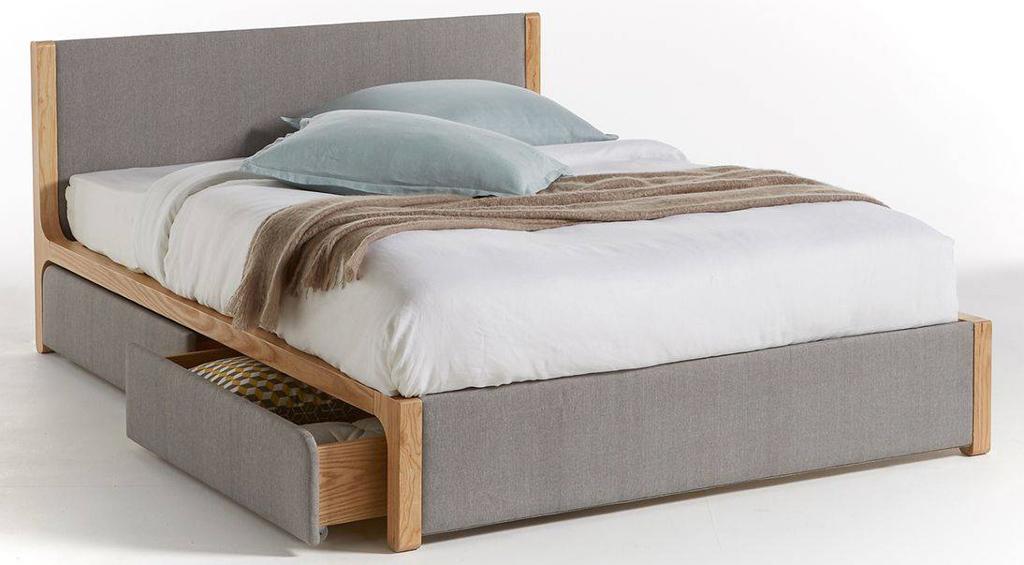 lit bois et tissu gris